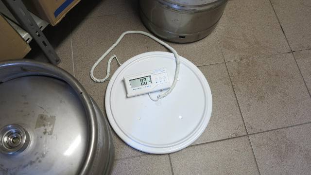 Váhy na pivo (sudy KEG) do 200kg/100g